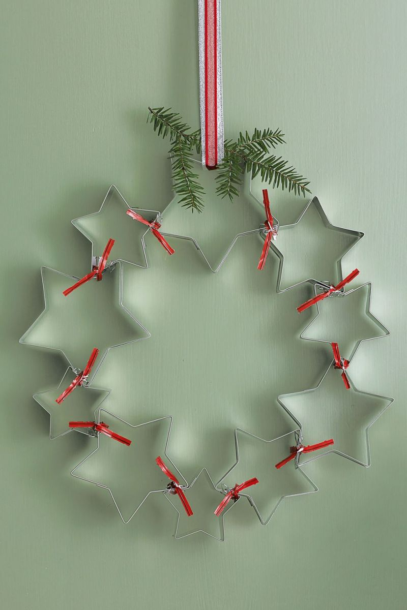 cookie-cutter-christmas-wreath-1535728196