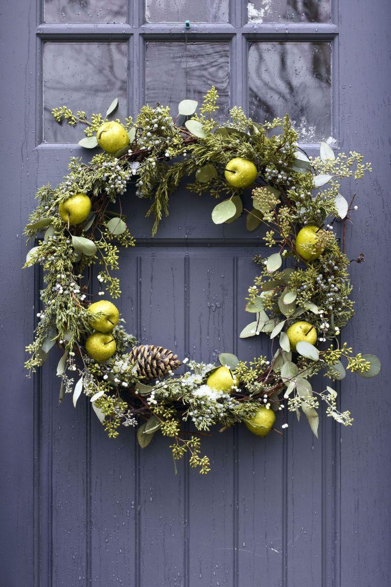 pear-christmas-wreath-1535728242