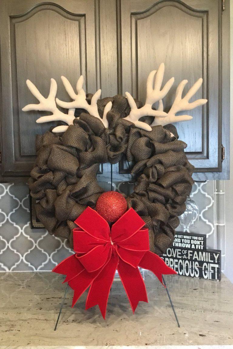 1535729578-burlap-reindeer-christmas-wreath-1535729558