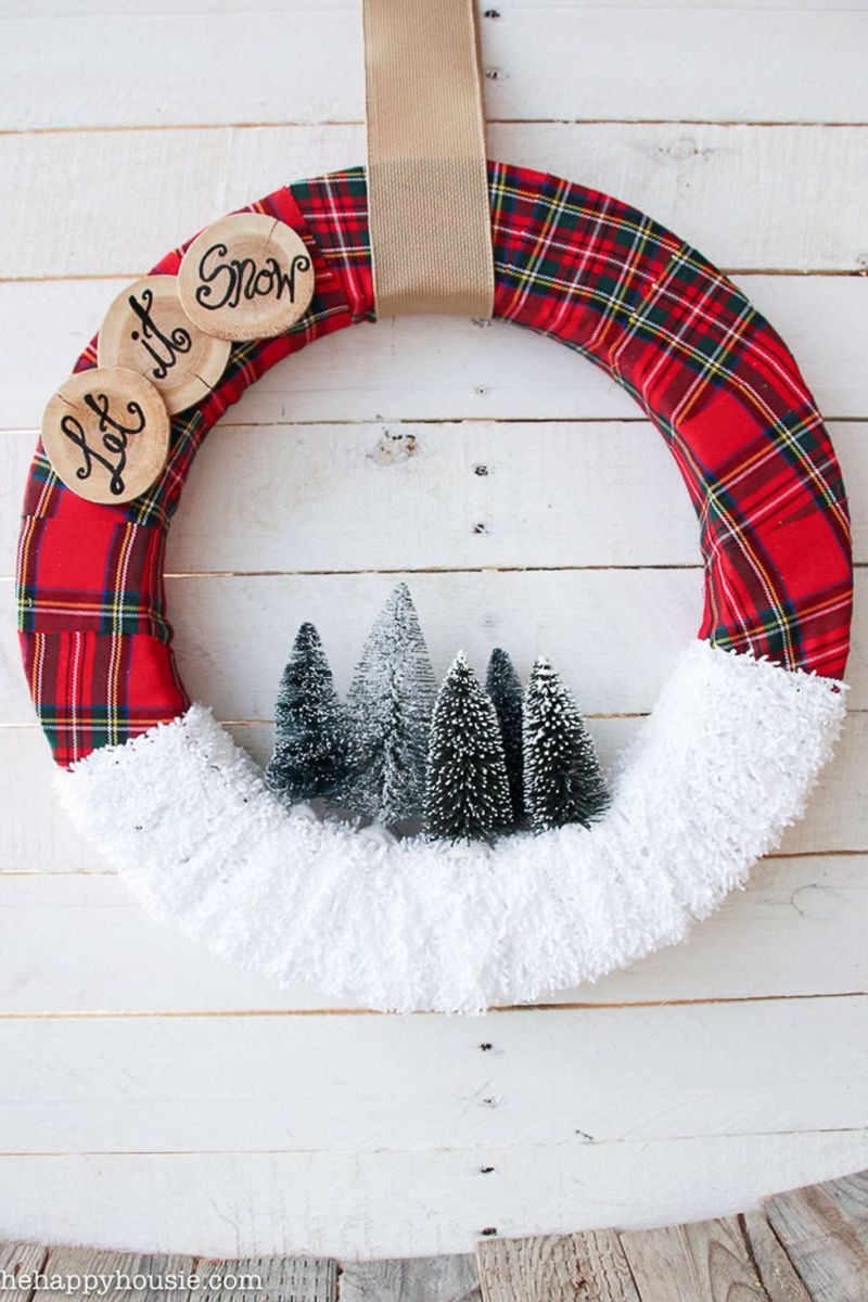 let-it-snow-christmas-wreath-1535728873