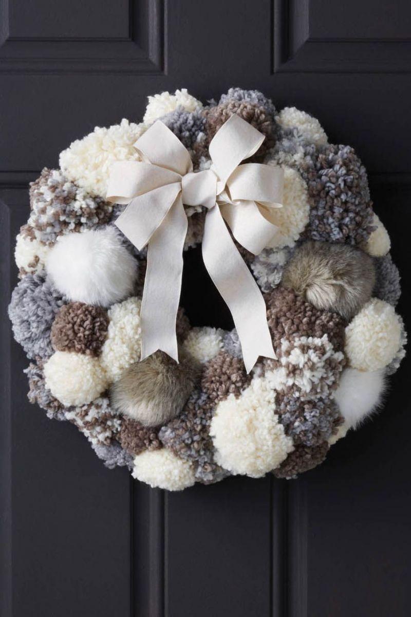 pompom-joann-christmas-wreath-1535731281