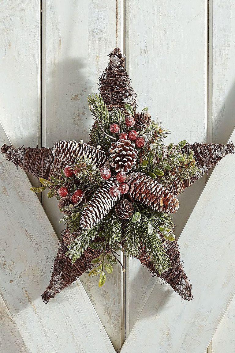 1535727074-pier1-star-christmas-wreath-1535727056