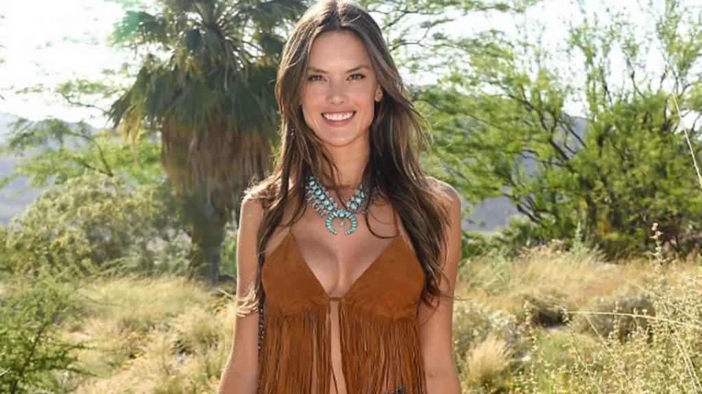 fec40252082 Alessandra Ambrosio Archives - Page 4 of 5 - Fay's book