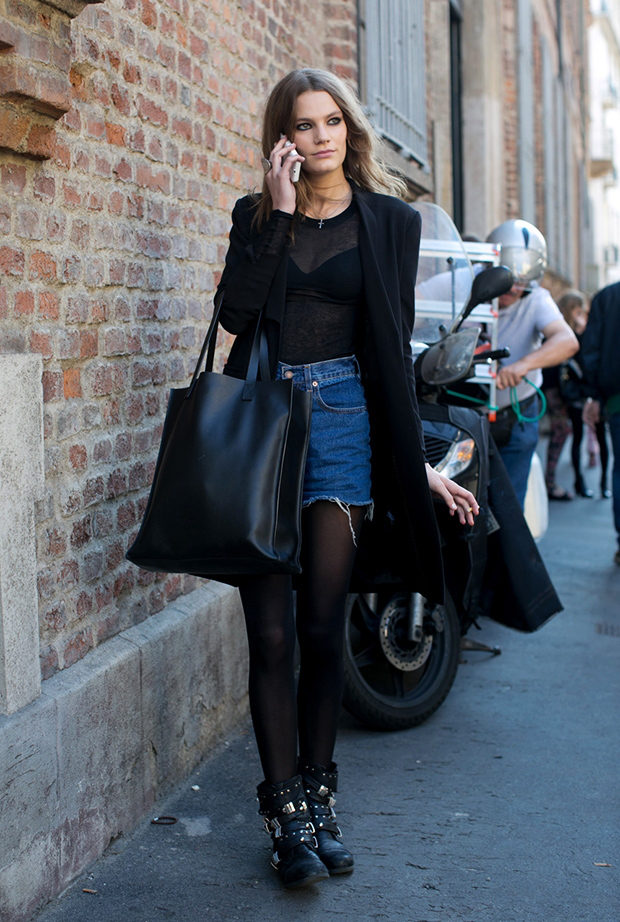 64c23669c56 Biker Boots: 7 τρόποι να φορέσεις τα μαύρα μποτάκια σου! - Fay's book