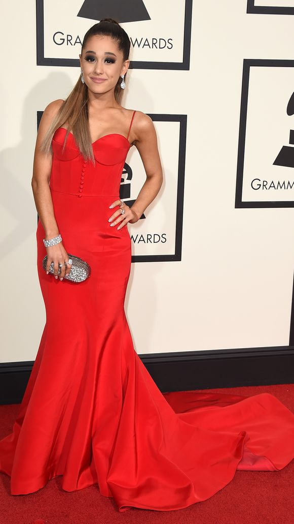 Ariana_GrandeThe-58th-Annual-Grammy-Awards---Arrivals.2.jpg