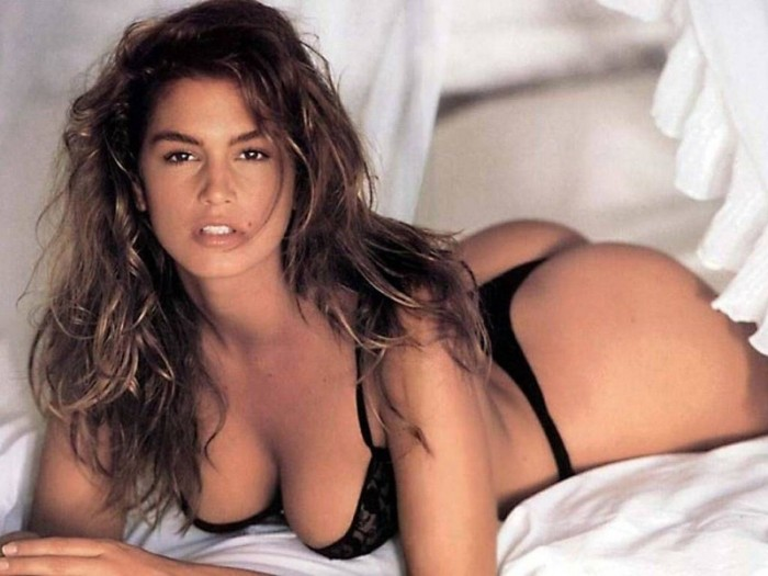 Cindy_Crawford-Models-Of-All-Time-14-700x525.jpg
