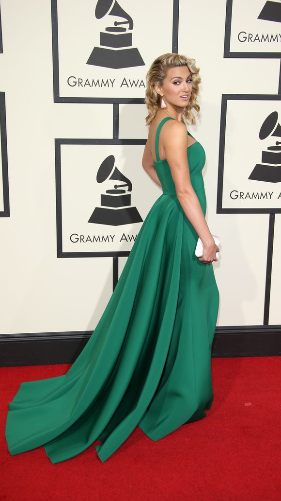 Tori_Kelly_58th-Grammy-Awards166.jpg