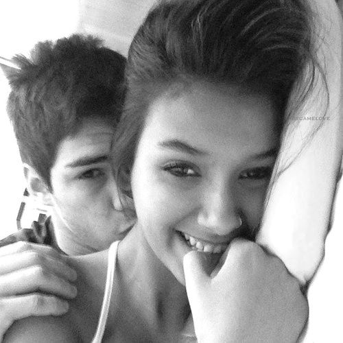 31bb2de6870124d61b7398b376b7415c--couple-selfie-couple-pictures