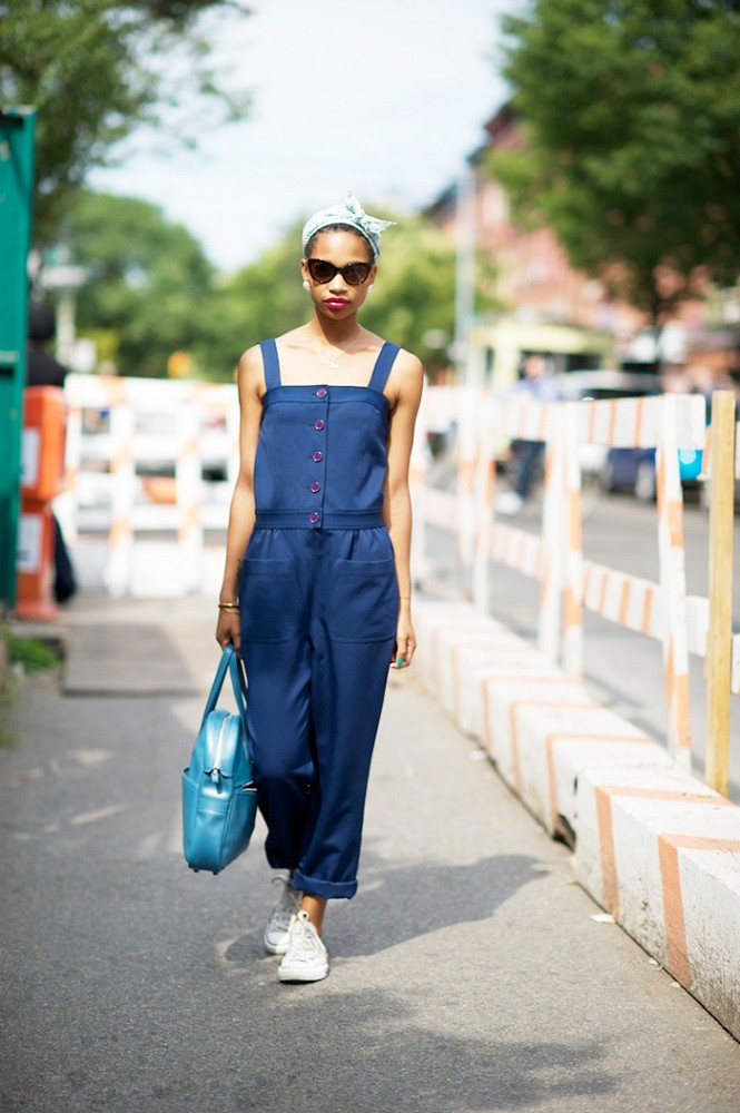 6e70dd62520 Δες 15 τρόπους για να καταφέρεις να συνδυάσεις τέλεια καλοκαιρινά και φθινοπωρινά  ρούχα: 15 14 ...