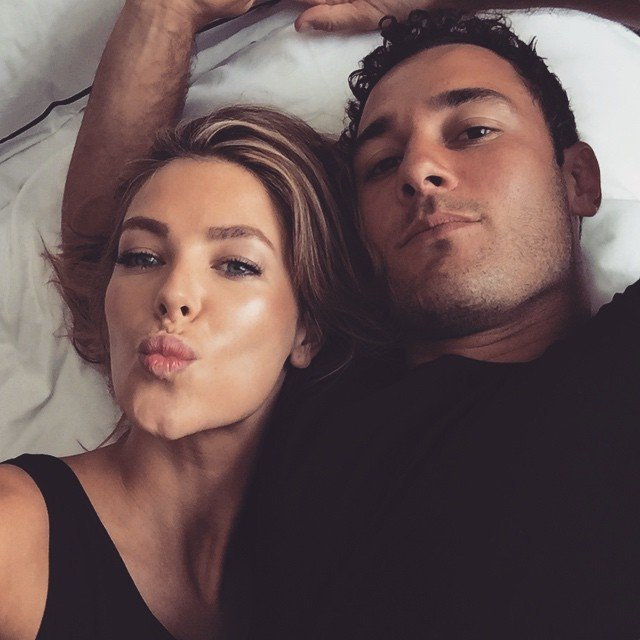 Christmas-time-Jen-posted-cute-couple-bed-selfie-her