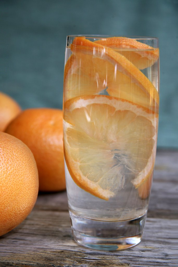 add-grapefruit-your-water