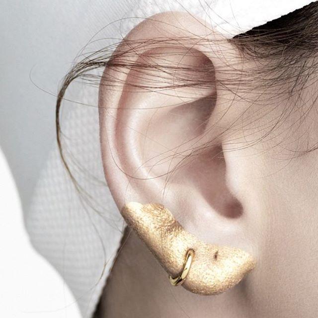 ear-makeup