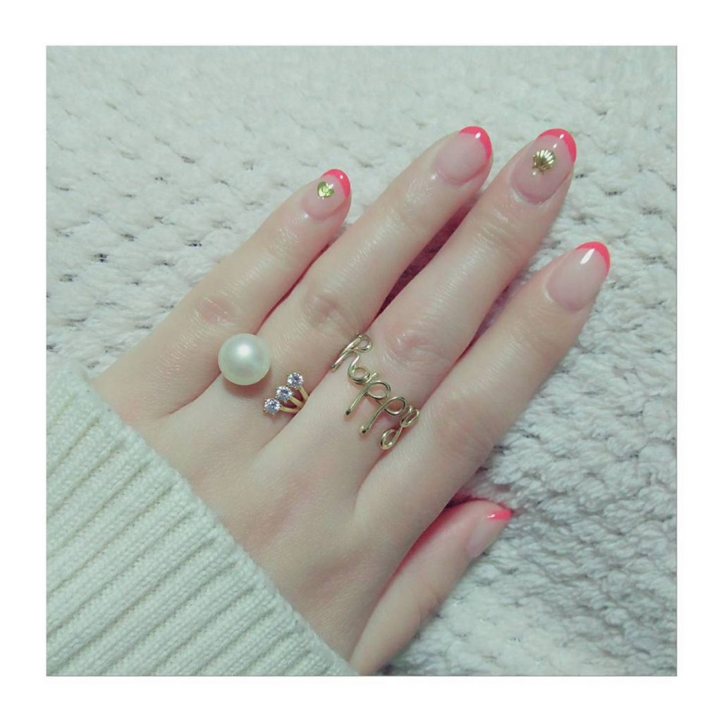pearl nails 7
