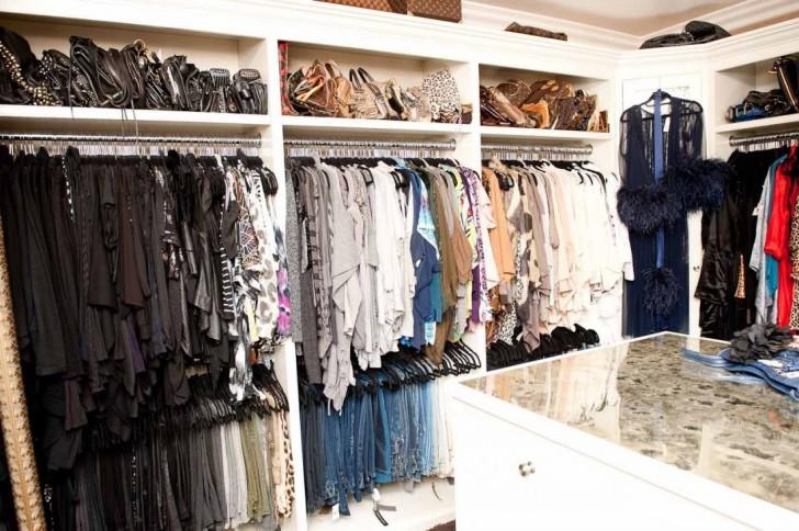 Khloe_Kardashian_Closet-04_4-728x484