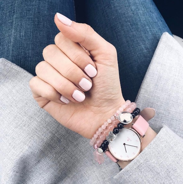 millenial pink nails 1