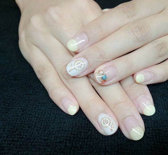 7b8b2713c76a Τα  WhiteNails είναι τα πιο καλοκαιρινά νύχια ever! - Fay s book