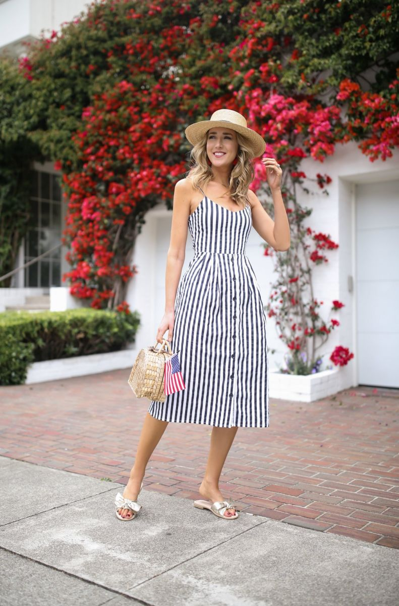 navy-white-striped-sun-dress-bow-tie-back-spaghetti-strap-summer-fourth-july-style-boater-hat-straw-basket-bag4