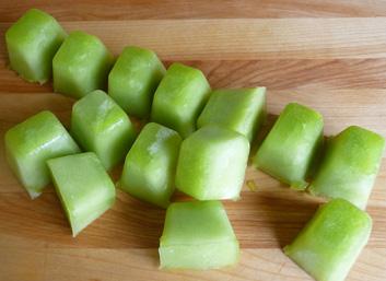 Honeydew-Cucumber-Mint-Agua-Fresca-Ice-Cubes-1