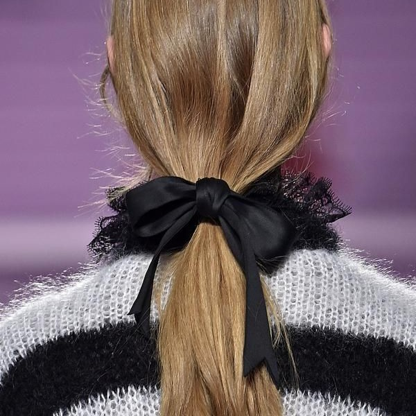 cover hair trend ribbon