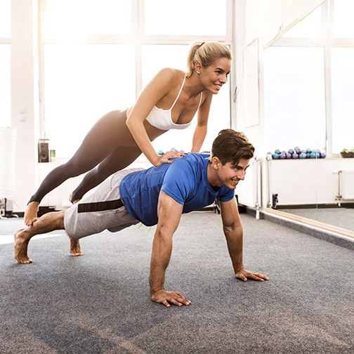 couple-press-ups