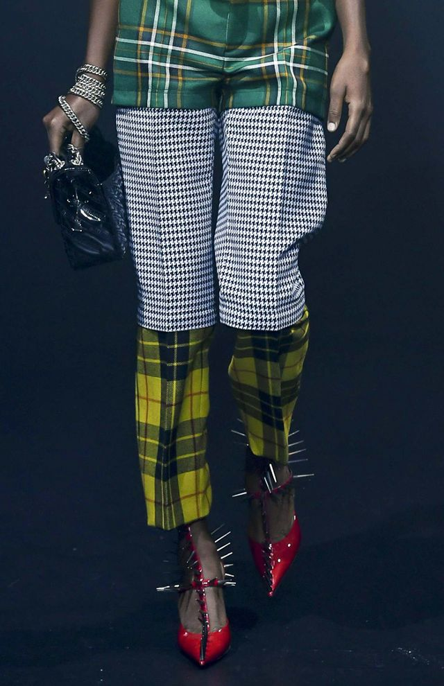 deconstructed-fashion-trend-245725-1515070079548-image.640x0c