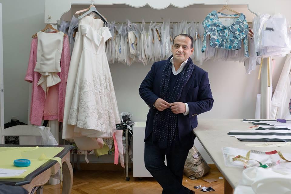 "0558d2458031 Vassilis Zoulias  Συνέντευξη με τον σχεδιαστή που λατρεύει να ντύνει τις  γυναίκες με ένα… ""Old school Hollywood glamour"""
