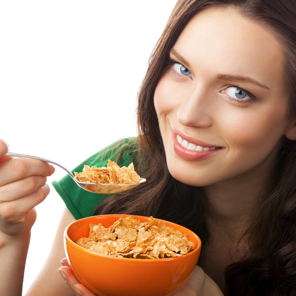 816-woman-eating-cereal-breakfast