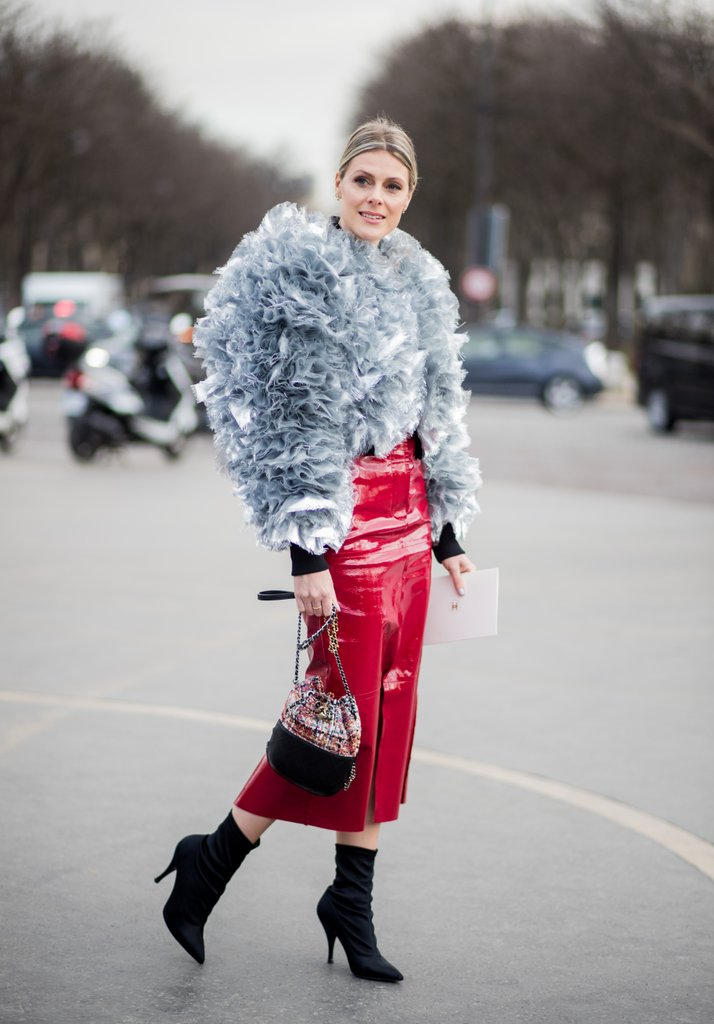 Balance-fitted-patent-pencil-skirt-voluminous-top