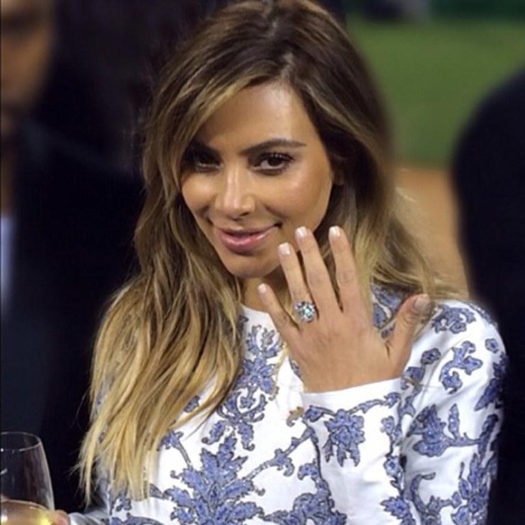blogs-aisle-say-kim-kardashian-engagement-ring-kanye-west-02-450