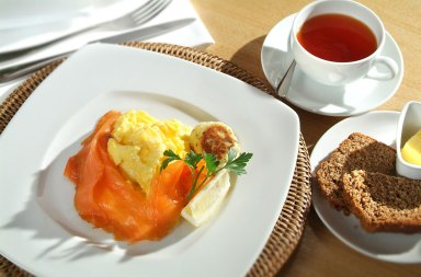 breakfast_eggs_salmon