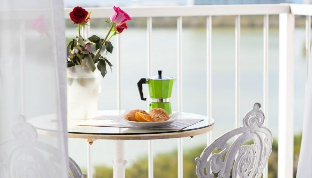 thehomeissue_balcony-5-620x354