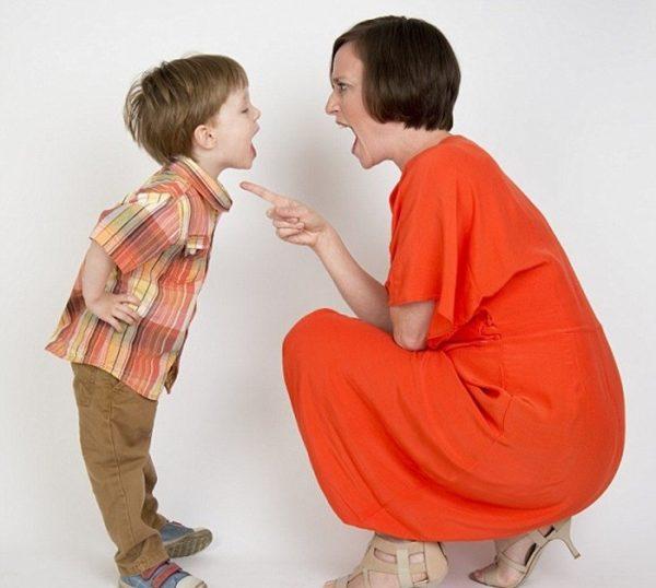 5-พฤติกรรมพ่อแม่ทำลูกปรี๊ดแตก-1-e1511581834621