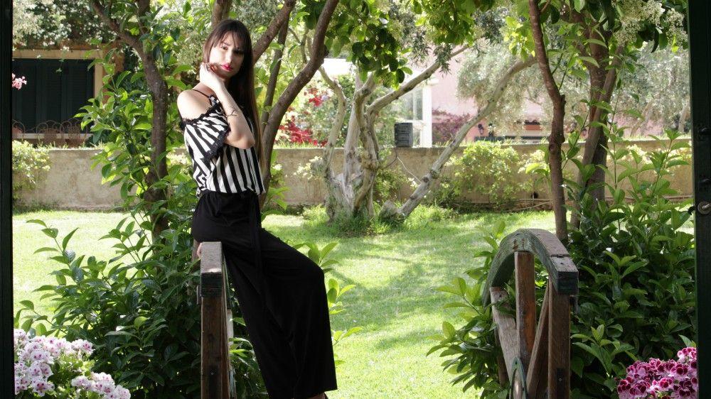 5c1bfa2a414d Βρήκαμε τα πιο stylish και οικονομικά ρούχα που ταιριάζουν σε όλα τα ...