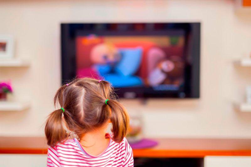 crianca-tv-saude-osso-divulgacao1