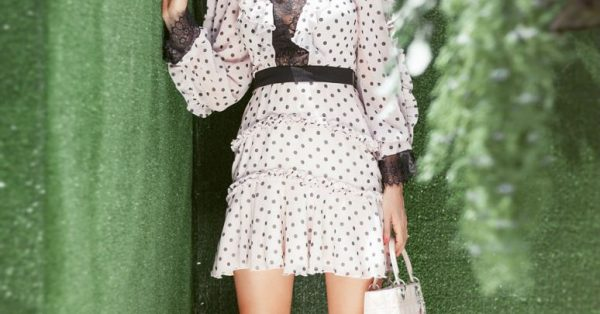 3a0a6a96b61b Κερδίστε το σημερινό look της Φαίης μας -Μίνι girly πουά φόρεμα Zini! -  Fay s book