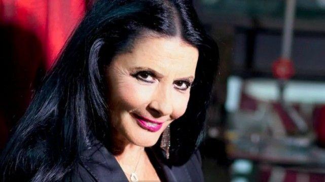 Ζωζώ Σαπουντζάκη: Δύσκολες ώρες για την γνωστή ηθοποιό - Fay's book