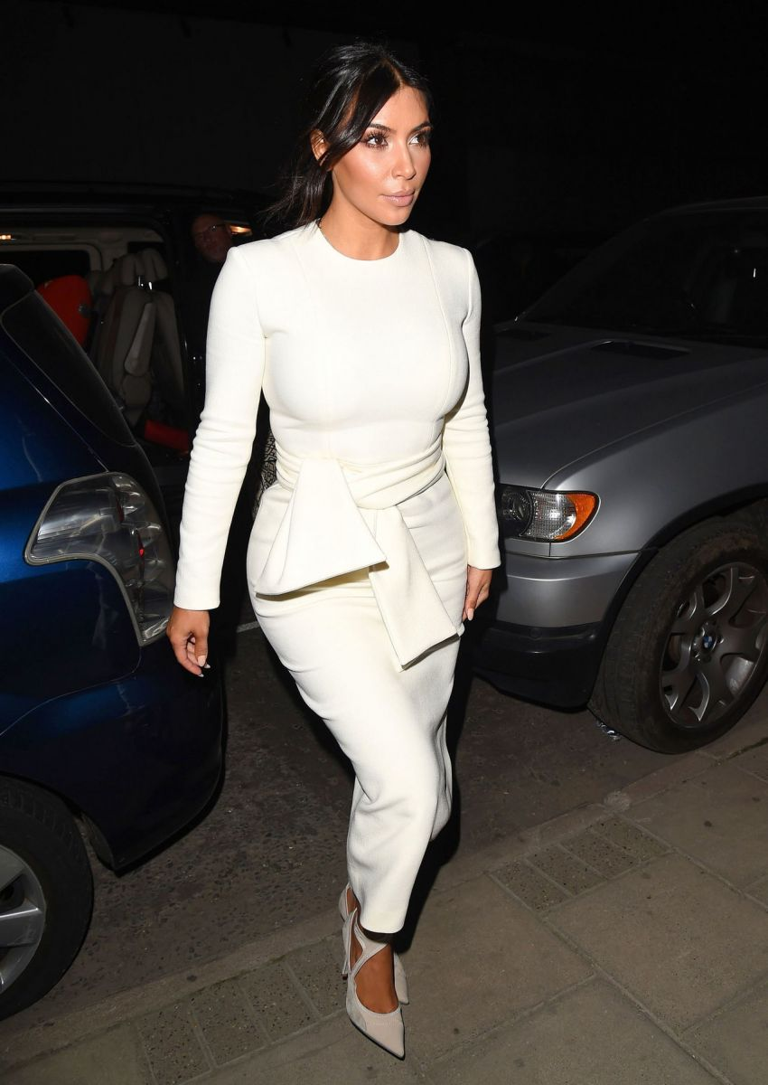 fashion-2014-09-kim-kardashian-white-dress-natalia-alaverdian-london-main