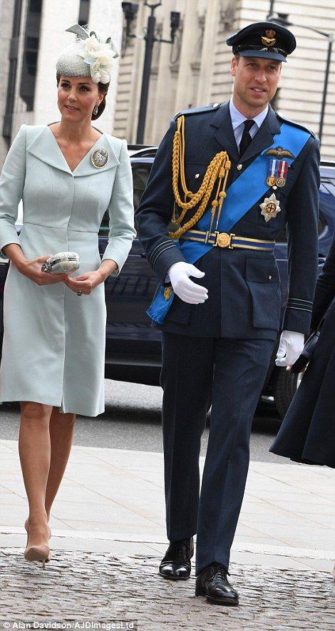 94cfa56463cb 4E1481F400000578-5937227-The Duke and Duchess of Cambridge-a-65 1531215822346.  Διαβάστε ακόμα  Δες το εντυπωσιακό γαλάζιο φόρεμα που φόρεσε η Pippa ...