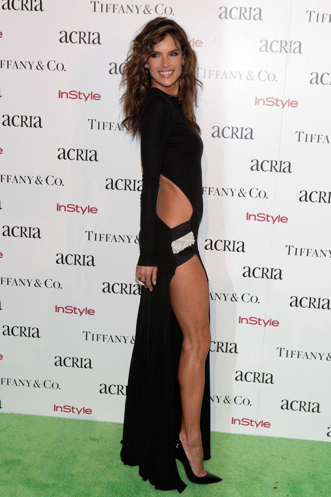 Alessandra-Ambrosio-showed-lots-leg-19th-Annual-ACRIA