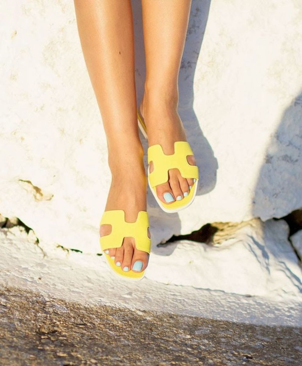 the-hermes-sandals-bloggers-are-obsessed-with-1598