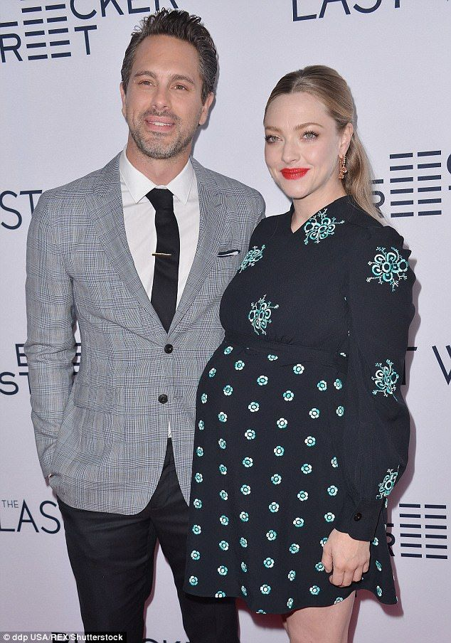 3E9BAECD00000578-4347982-It_s_a_girl_E_has_confirmed_that_Amanda_Seyfried_and_her_husband-m-41_1490413024049