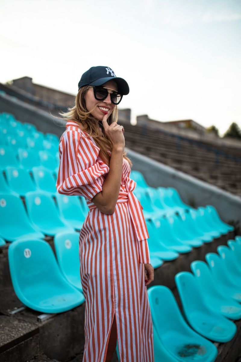 kristjaana-red-striped-midi-dress-outfit