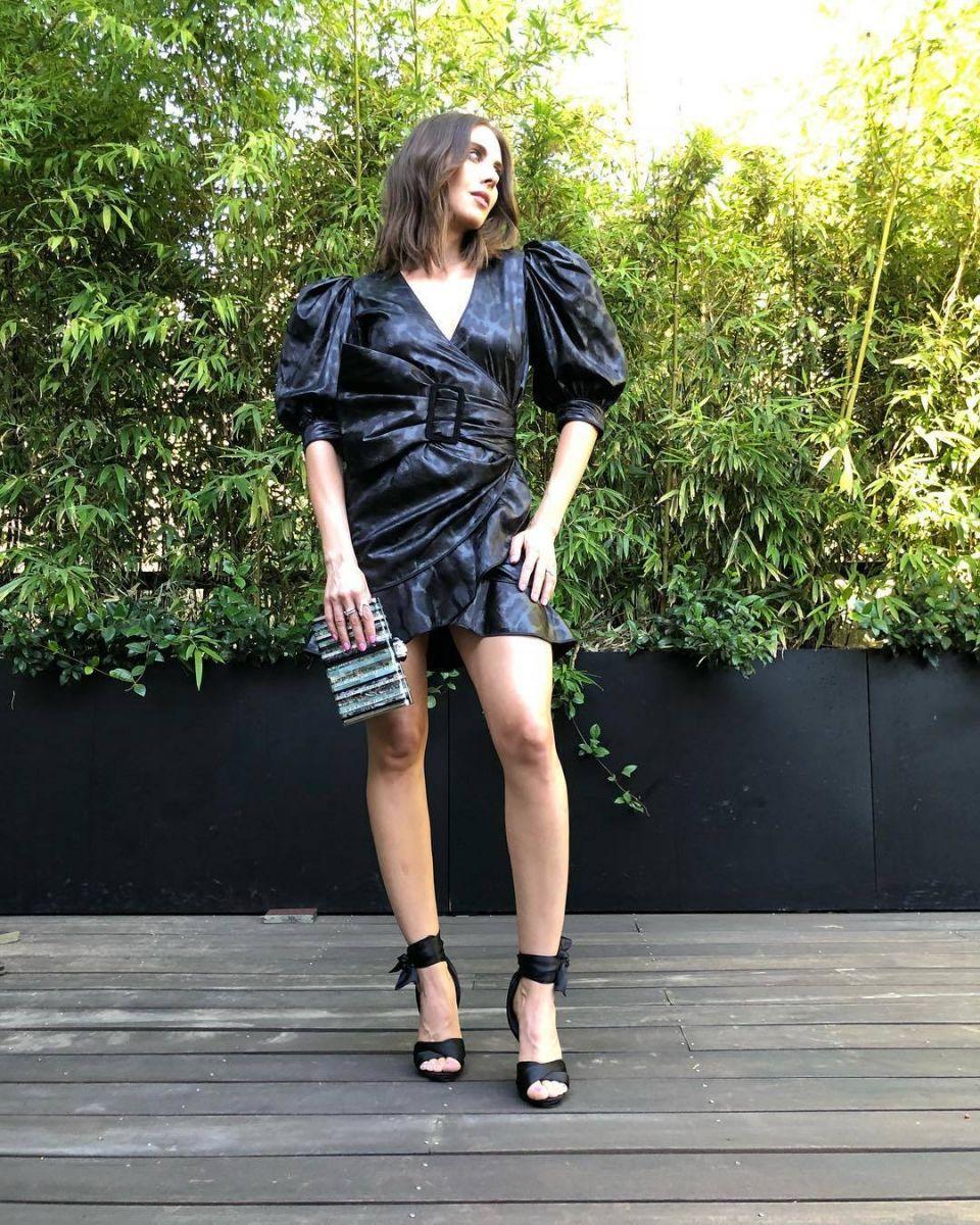 Alison-Brie-Feet-3716906