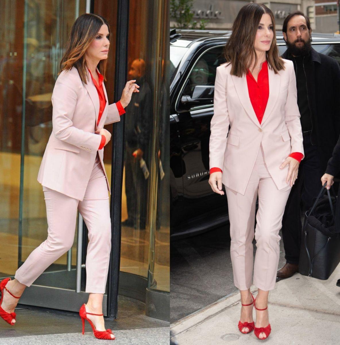 a8ea84e499e H Sandra Bullock συνδυάζει ροζ με κόκκινο και κλέβει τις εντυπώσεις ...