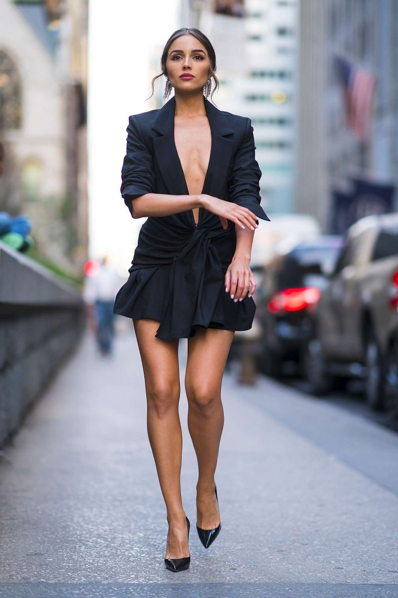 Olivia-Culpo-in-Black-Mini-Dress-Out-at-New-York-0