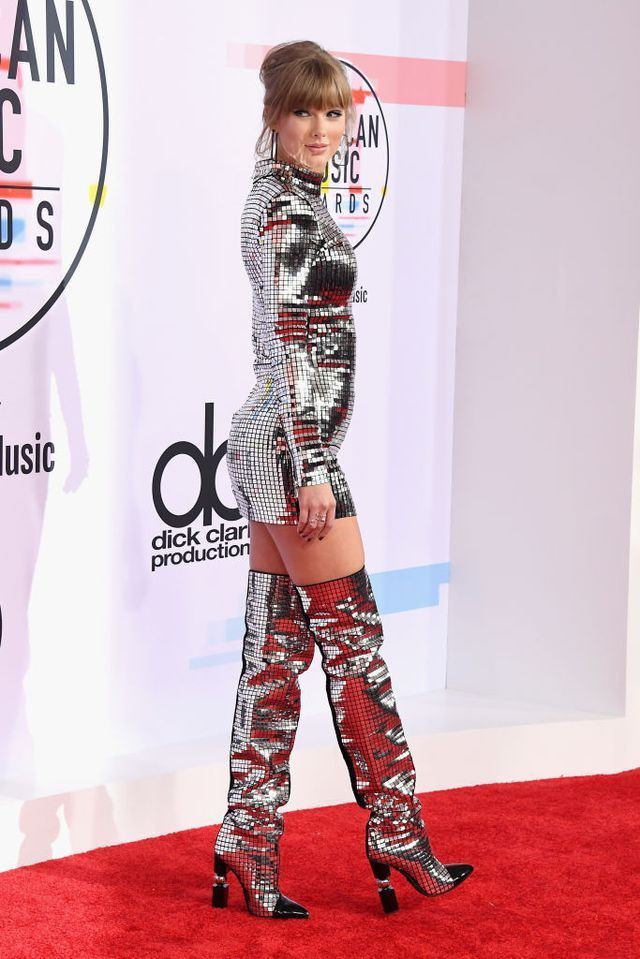 taylor-swift-attends-the-2018-american-music-awards-at-news-photo-1048354872-1539123915