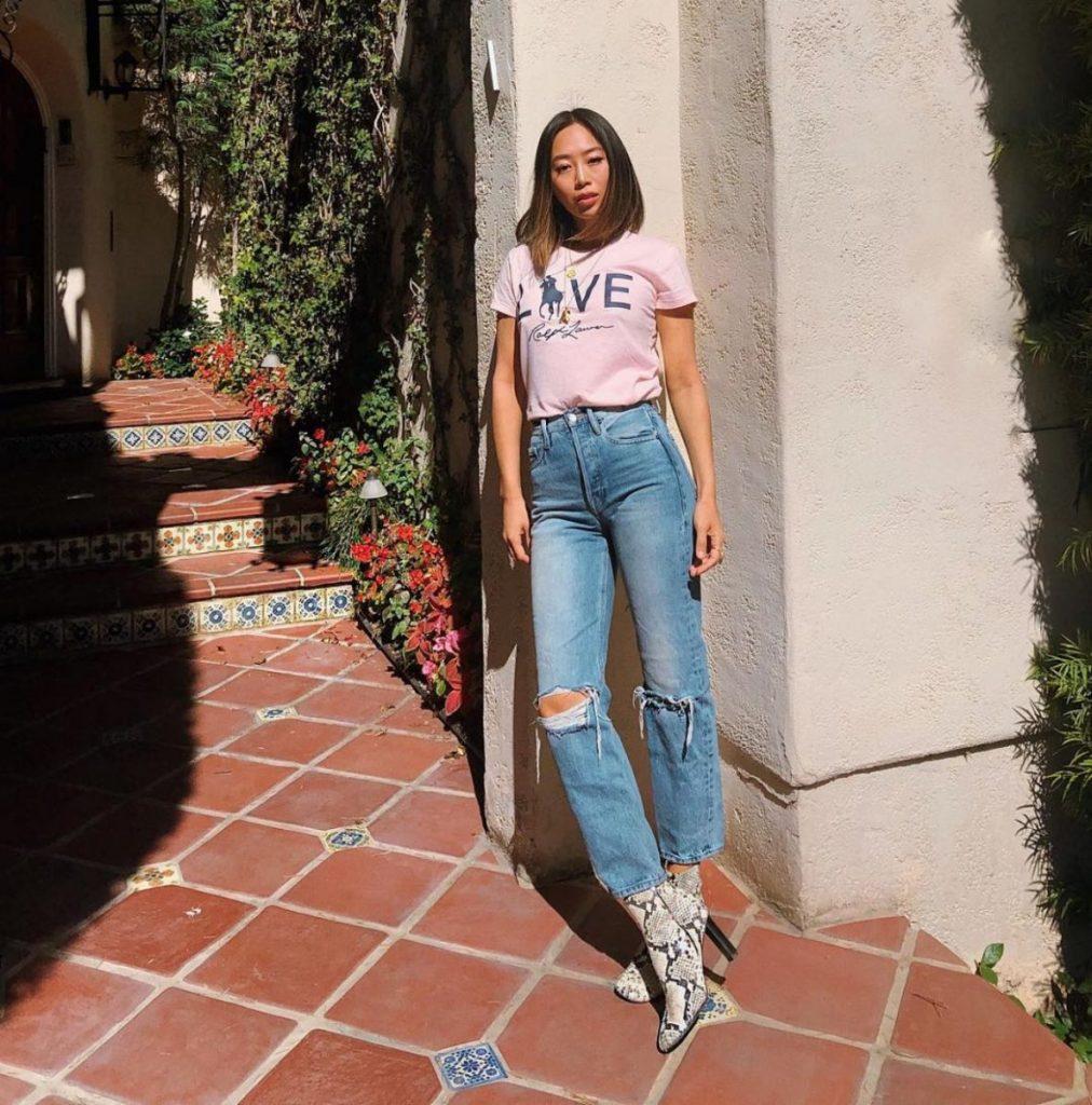 1ecbb0f772f9 Η διάσημη fashion blogger Aimee Song σου δείχνει πώς να συνδάσεις  καλοκαιρινά με φθινοπωρινά ρούχα