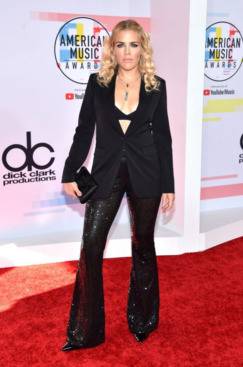busy-philipps-attends-the-2018-american-music-awards-at-news-photo-1048413680-1539129254