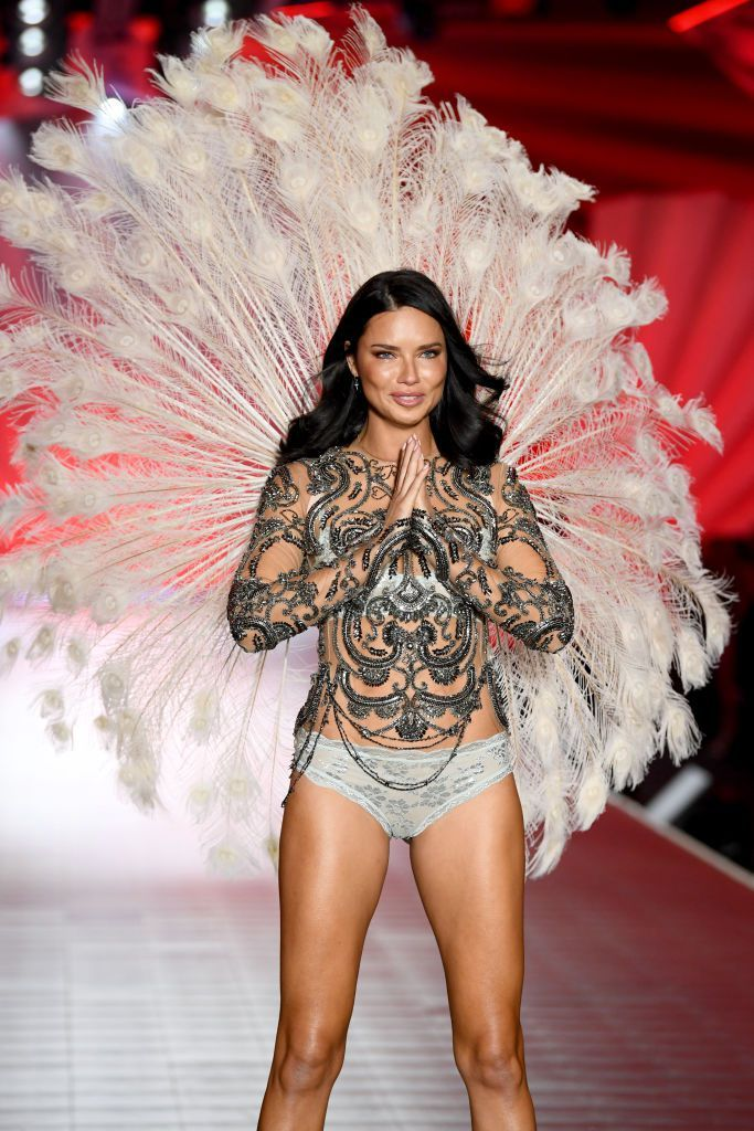 adriana-lima-walks-the-runway-during-the-2018-victorias-news-photo-1059397492-1541733990