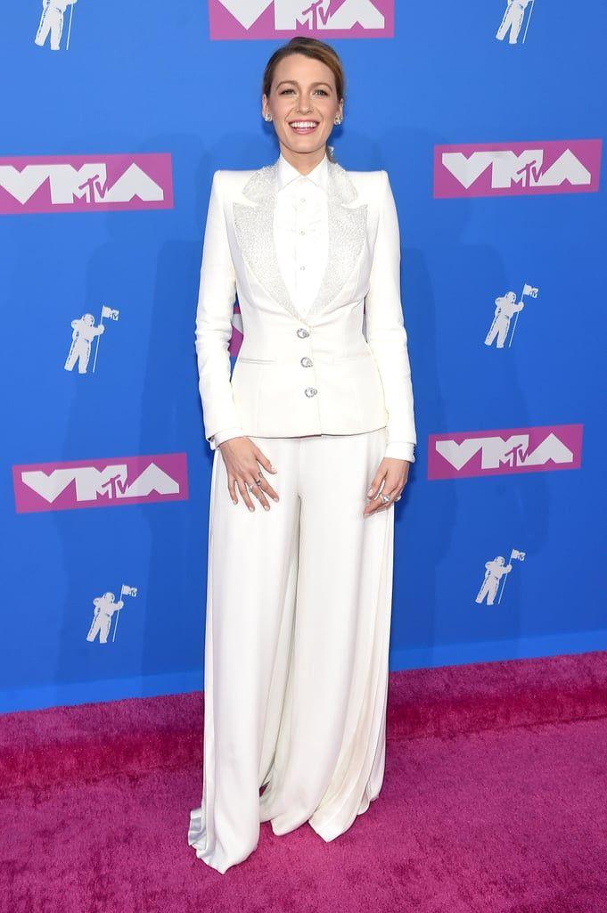 Blake-Lively-White-Suit-MTV-VMAs-2018